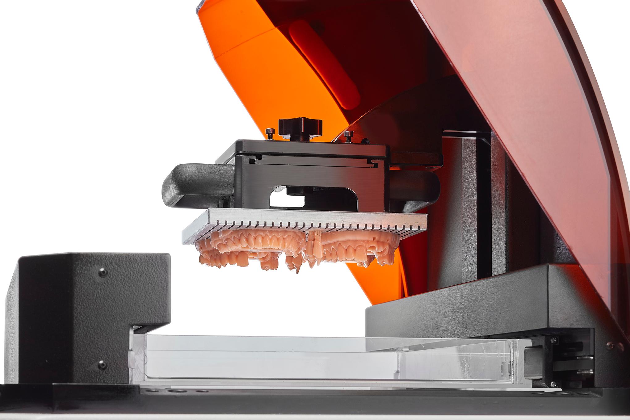 stampante 3d adatta per prototipi dentali e odontoiatrici
